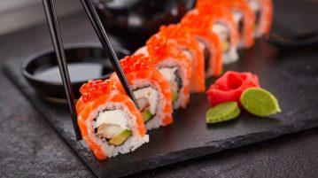 what does sashimi taste like